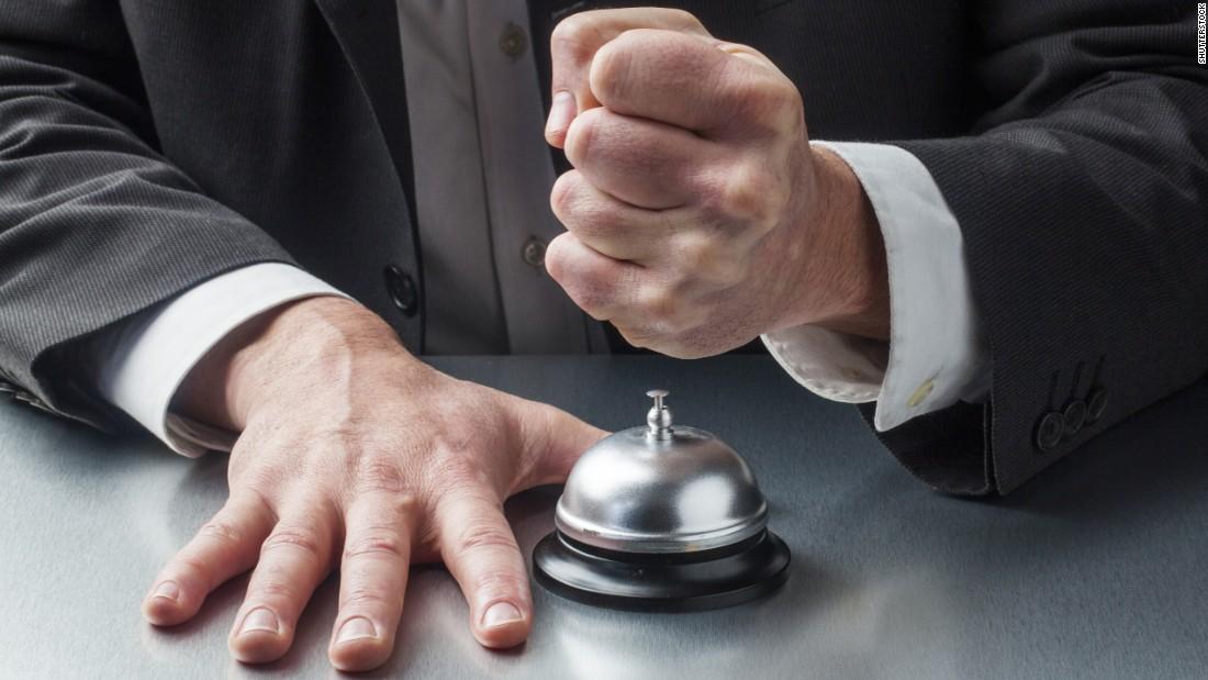 نحوه رسیدگی به شکایات میهمانان در پذیرش هتل